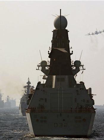 """我护航编队圆满完成""""和平-17""""多国海上联演"""