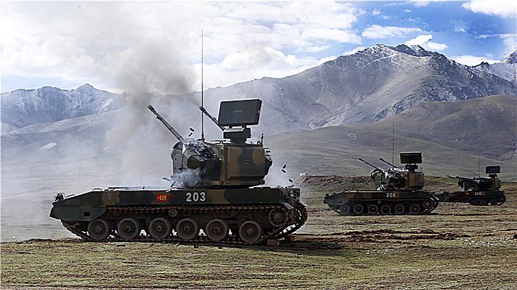 砺兵高原:首次多装备、多弹种实弹射击