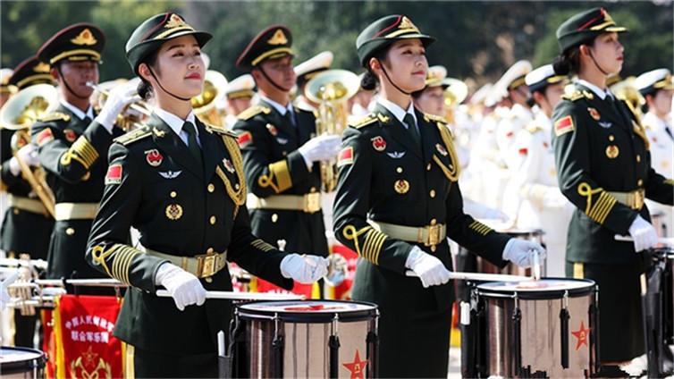 【阅兵特写】高清大图!在阅兵中演奏的军乐团是他们组成的