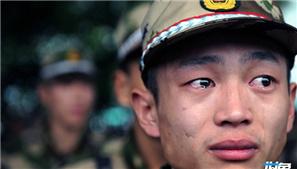 天涯哨兵:孤独守望 泪眼相顾