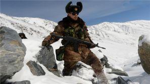-26℃踏雪巡逻在高原的边防兵