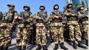 边防官兵开展联勤武装巡逻 为市民出行保驾护航
