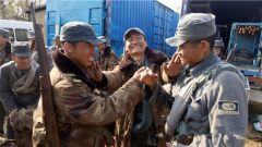 某装甲团受邀协助拍摄电影《百团大战》