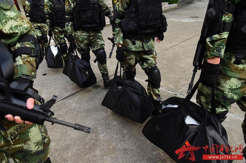 6月25日,广东公安边防总队东莞支队对媒体公布一起跨国武装贩毒案.