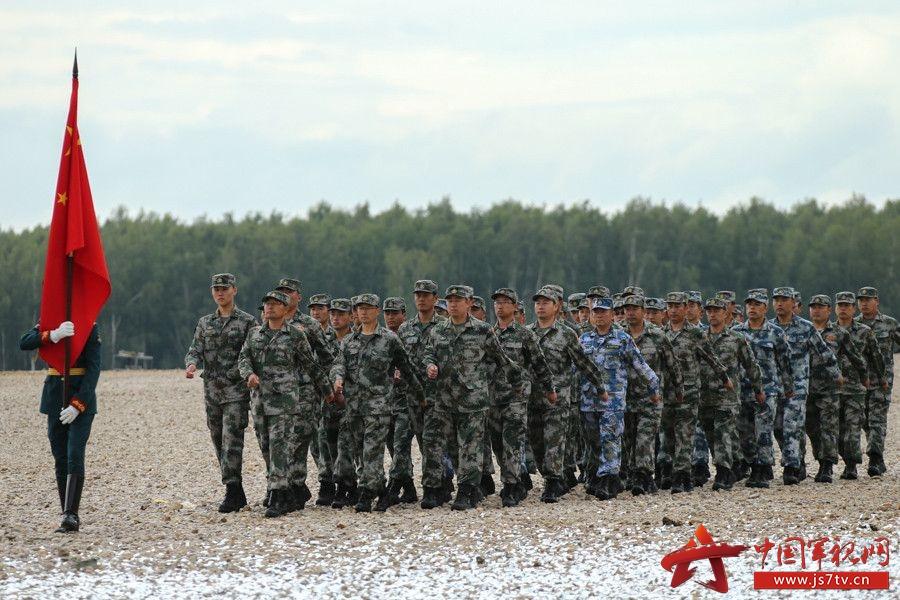 2015年8月,俄罗斯首都莫斯科附近的爱国者军事乐园,俄罗斯国防部长绍伊古宣布2015年国际军事比武比赛开幕。在绍伊古的致辞结束之后,俄方进行了文艺演出,并借此展示了俄罗斯历史上各个阶段的武装力量的变化。据统计,此次参加比武的人数超过2万人,来自17个国家,将进行两个星期的比武,参加比武的兵种包括空军,空降兵,海军陆战队,炮兵,侦察兵和其他军兵种的人员。