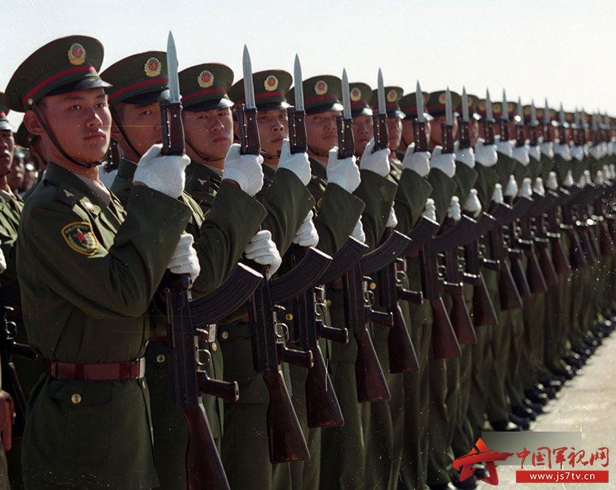 回顾:1999年国庆阅兵中的那些徒步方队