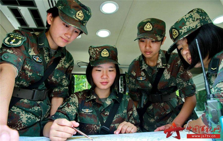 标签:女兵第二炮兵野外训练场