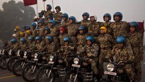 印度阅兵仪式上的摩托车杂技