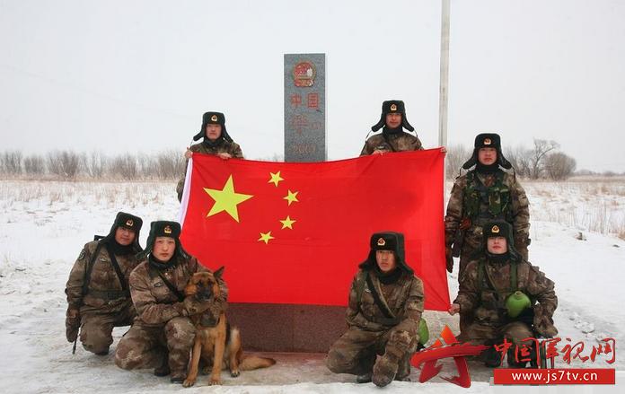 防一线已是皑皑雪景 驻地官兵诠释军人好样子图片