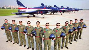 """组图:中国空军的""""八一""""飞行表演队"""