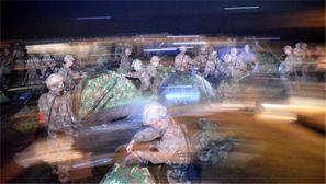 第十三集团军某团寒冬夜雨强行军