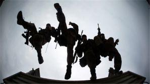 组图:第13集团军某司训大队组织驾驶复训综合演练