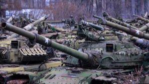 乌克兰大量旧坦克正等待进厂维修
