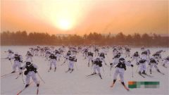 官兵开展雪上训练 -43℃不叫事