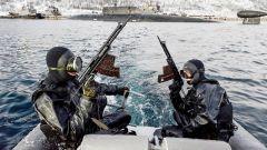 俄特种部队训练 渗透偷袭技能满格