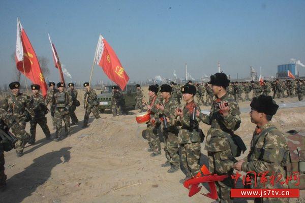 武警8650部队拉练路上文化春风扑面来