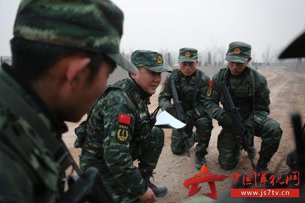 武警河南总队野营拉练中实战化军事考核