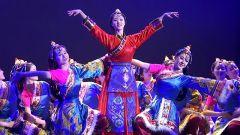 中國軍視網春節特別節目(五):《兵演兵唱春光燦》