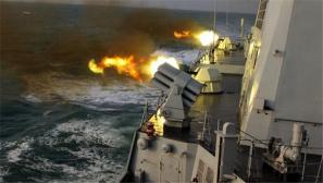 东部战区海军实弹攻防:驱护舰对决飞豹