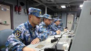 组图:东海舰队现代级战舰对抗飞豹