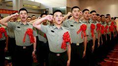 驻香港部队退伍战士惜别香港 返回内地
