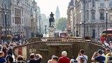 伦敦助威坦克百年纪念活动