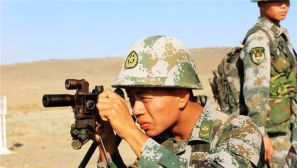 高清:新疆塔城军分区组织步兵战术演习