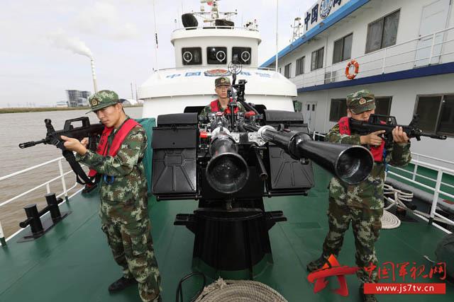中国武警    连日来,江苏海警结合年度军事业务考核