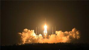 """""""长征""""5号运载火箭在海南文昌航天发射场点火升空"""