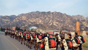 武警北京总队新兵十三营严密组织野营拉练