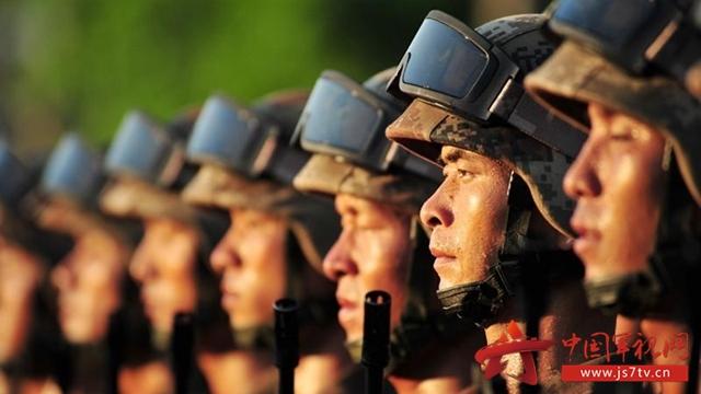 广大官兵坚决落实规模结构和力量编成改革部署