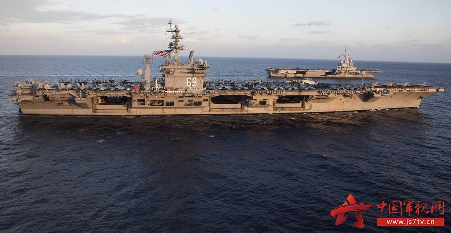标签:美国艾森豪威尔号法国戴高乐号并肩航行图片