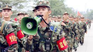 武警海南省总队新兵团野营拉练砺血性