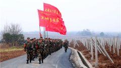 3天27000米 武警荆门支队拉练启程