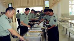 """西藏军区:""""盘中餐""""吃出战斗力"""