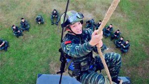 实拍武警中山支队机动中队训练场上的瞬间