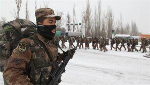 寒风为伴雪为伍——第47集团军某炮兵团冒雪出征