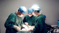 军医提醒:口腔溃疡久发不愈小心癌变!