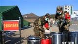 武警部队冬季野营拉练 完成防敌空袭等多科目演练