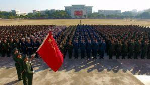 驻香港部队举行元旦升旗仪式和重温入伍誓词活动
