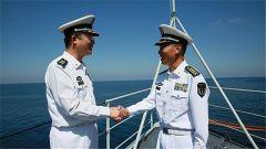 杨志亮与柏耀平:亚丁湾上的深情握手