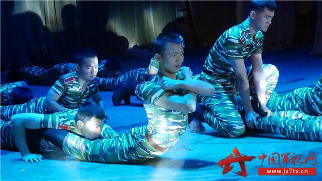 《开小灶》舞蹈将军校训练生活完美演绎