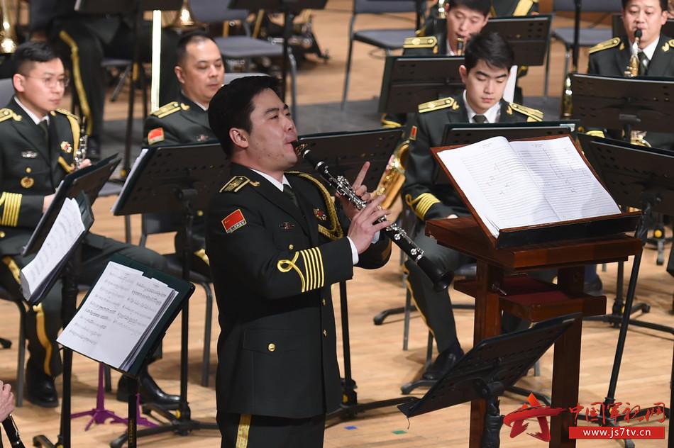 4.演奏《第一单簧管协奏曲》