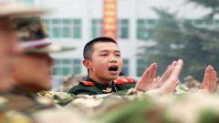 天津总队改进带兵方式助力新兵成长记事