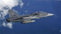 泰国空军一架鹰狮战斗机表演时坠毁 飞行员遇难