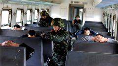 武警福建省总队高铁反劫持演练:常委打响第一枪