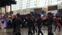 广东武警:护航春运的空港卫士