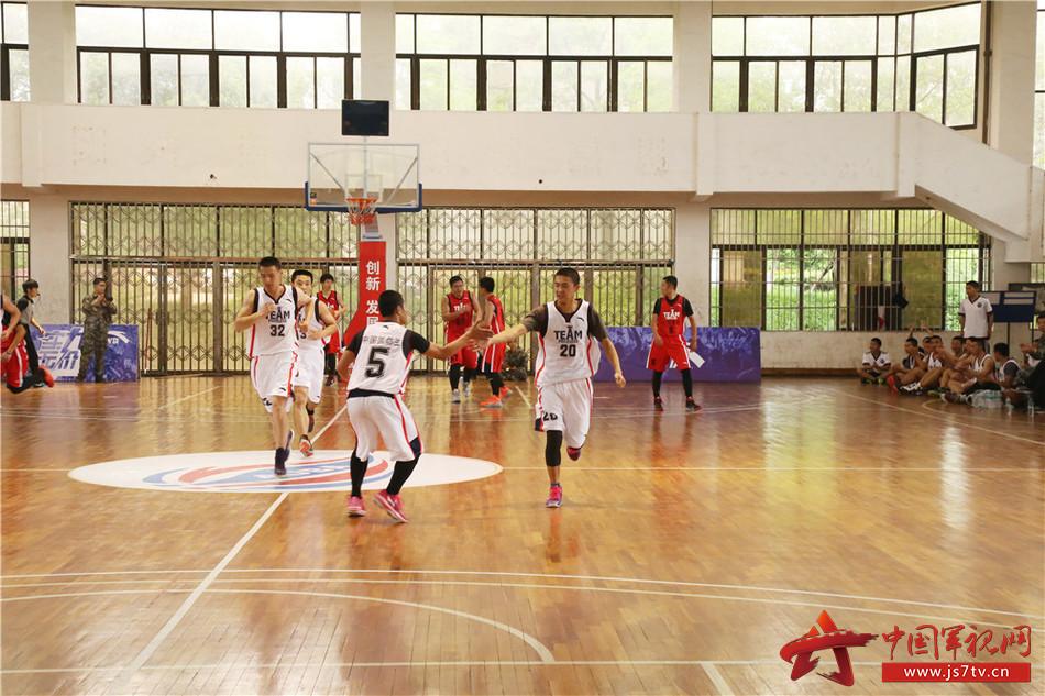 再回首,不要忘了曾经我们一起打过的篮球。