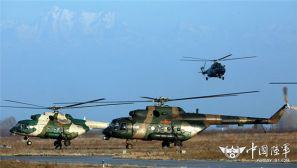 新疆军区某陆航旅开展多机型跨昼夜高强度训练