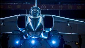 """北部战区空军航空兵:夜色下的""""飞豹""""炫酷来袭"""